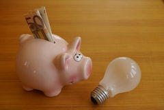挽救能量和金钱 免版税库存图片