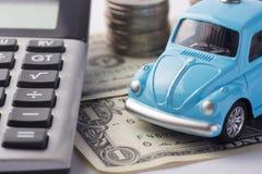 挽救金钱的概念旅行的,买一辆梦想中的汽车和汽车 图库摄影