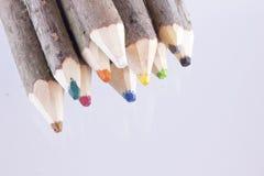 捆绑大自然色的铅笔 免版税库存照片