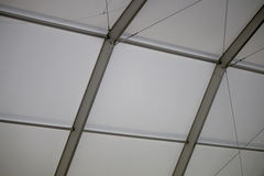 捆结构的天花板在建造场所的 免版税图库摄影