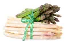 捆绑芦笋绿色和白色 免版税库存照片