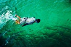 捉住在古巴的龙虾 免版税库存照片
