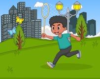 捉住蝴蝶的孩子在公园动画片 免版税图库摄影