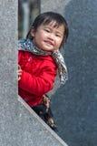 捉迷藏中国人女孩 库存照片