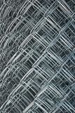 捕捉的篱芭,铁丝网,金属丝网, rabitz,滚动了操刀 免版税库存照片