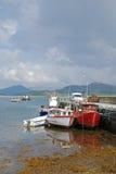 捕鱼停泊了码头船 库存图片