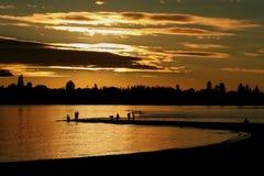 捕鱼珀斯点河日落天鹅瓦尔特 免版税库存照片