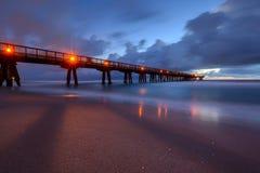 捕鱼码头在晚上 免版税图库摄影