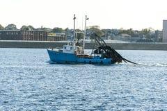 捕鱼船新的海盗 库存照片