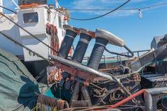 捕鱼设备特写镜头在渔拖网渔船的 免版税库存照片