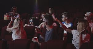 损坏影迷的人电影戏院的 股票录像