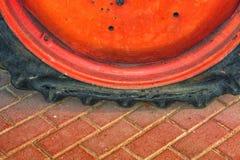 损坏的卡车,车轮胎 免版税库存照片