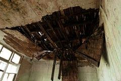 水损坏的屋顶 库存图片