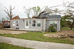 损坏的房子龙卷风 免版税图库摄影