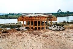 损坏的桥梁 免版税库存图片