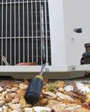 损坏的空调器 免版税库存照片
