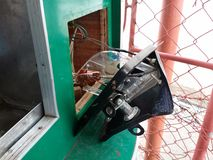损坏的自动售货机 免版税库存照片