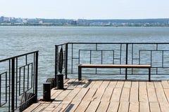 换下场在码头,小船驻地,美好的地方 库存图片