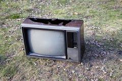 捣毁的电视 免版税库存图片