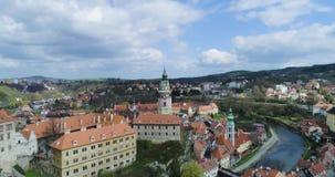 捷克克鲁姆洛夫、捷克克鲁姆洛夫鸟瞰图和城堡塔 股票录像