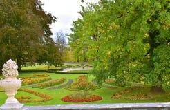 捷克克鲁姆洛夫城堡庭院秋天 免版税库存照片