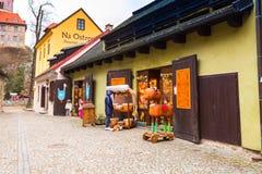 捷克克鲁姆洛夫历史的中心街道视图 图库摄影