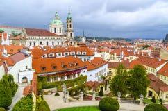 捷克共和国,布拉格- 18世纪vrtba庭院(Vrtbovska za 图库摄影