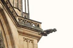 捷克建筑学,可怕面貌古怪的人雕塑,哥特式寺庙装饰 中世纪艺术,神秘的面貌古怪的人妖怪雕象,圣Vitus加州 图库摄影
