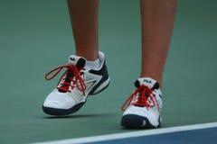 捷克的职业网球球员Karolina Pliskova穿丝状部分网球鞋在她的比赛期间在美国公开赛2016年 免版税库存照片