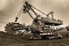 捷克,多数- 2015年9月23日:巨型戽头转轮挖土机,煤矿 老照片 图库摄影
