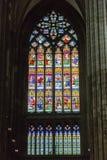 捷克,布拉格- 2016年12月19日:圣Vitus污迹玻璃窗在布拉格,捷克 图库摄影