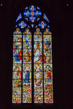 捷克,布拉格- 2016年12月19日:圣Vitus污迹玻璃窗在布拉格,捷克 免版税库存图片