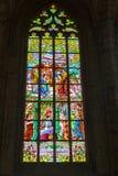 捷克,布拉格- 2016年12月19日:圣Vitus污迹玻璃窗在布拉格,捷克 免版税库存照片
