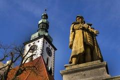 捷克1月Zizka在塔博尔,雕象在教会前面的 免版税库存图片
