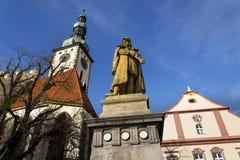 捷克1月Zizka在塔博尔,雕象在教会前面的 免版税图库摄影