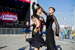 捷尔诺波尔,乌克兰- 2017年10月1日:在Po的交谊舞孩子 库存图片