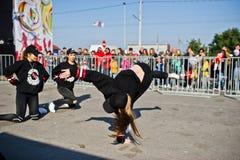 捷尔诺波尔,乌克兰- 2017年10月1日:在Podoly的现代舞孩子 库存图片
