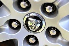 捷豹汽车商标-比勒费尔德/德国的图象- 07/23/2017 免版税库存图片