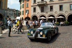捷豹汽车在Mille Miglia的XK 120 2015年 免版税图库摄影
