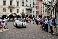 捷豹汽车在Mille Miglia的XK 120 2015年 免版税库存图片