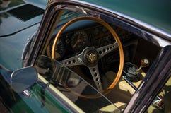 捷豹汽车e型的内部 库存图片