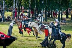 授以爵位中世纪的持枪骑兵 库存照片