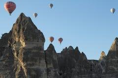 掉下来热空气的气球在2013年5月20日,土耳其的Cappadocia杀害游人 免版税库存照片