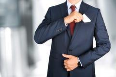 去掉从企业现代衣服的口袋的商人名片 库存图片