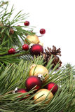 排列圣诞节金子装饰红色 免版税库存照片
