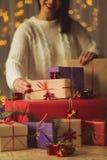 排列的圣诞节礼物 图库摄影