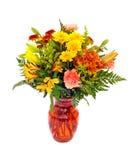 排列颜色秋天花新鲜的橙色花瓶 免版税库存图片