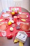 排进日程与日期感恩节11月22日-在红色桌背景的 感恩2018年 免版税库存照片