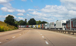 排队的卡车 图库摄影