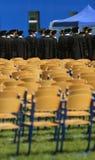 排队的椅子 免版税库存图片